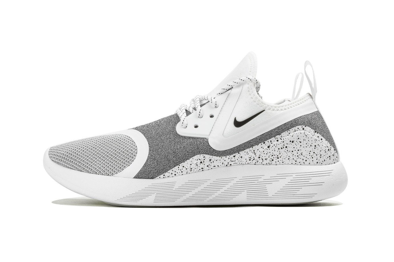 """new style a4150 329bd Here s The """"White Speckle"""" Edition of Nike s LunarCharge Essential"""