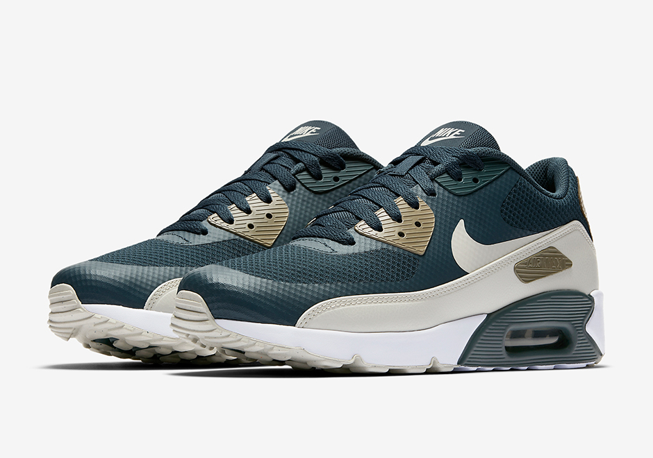 "brand new 8c90b 24349 Nike Revamps The Air Max 90 Ultra 2.0 With This Gorgeous ""Blue Fox""  Colourway"