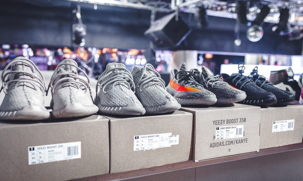 uk availability aadb4 77f09 Streetwear and Sneaker News in Singapore  The PLAYBOOK