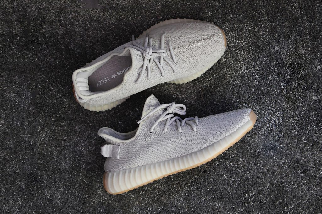 big sale 18389 8fb79 adidas YEEZY BOOST 350 V2
